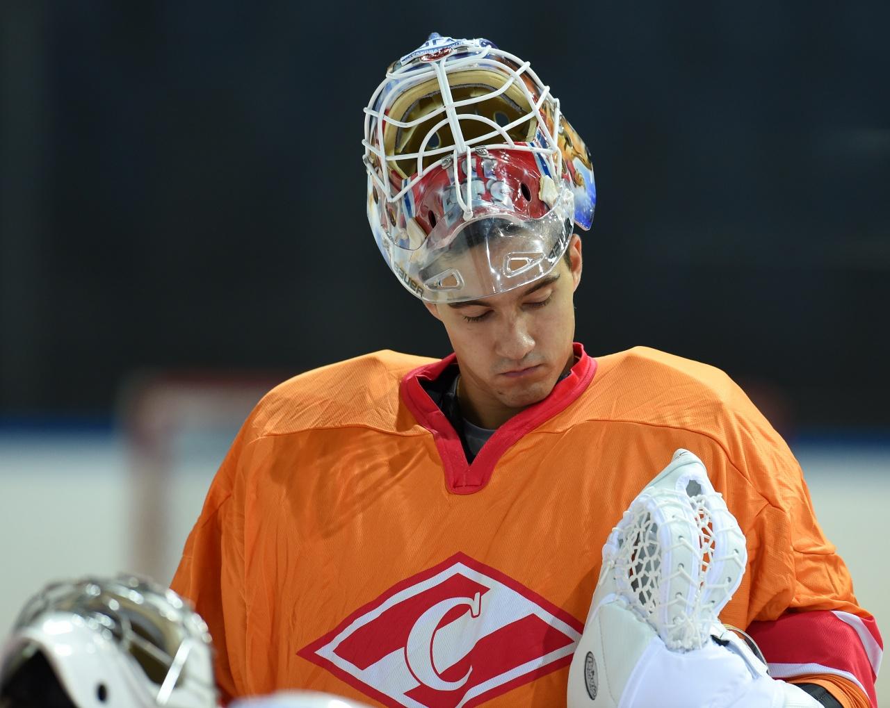 Никита Беспалов приступил к тренировкам на льду