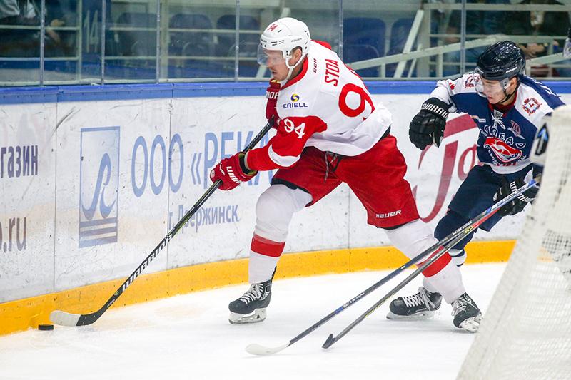 Райан Стоа: Слава Лещенко здорово вырос как хоккеист