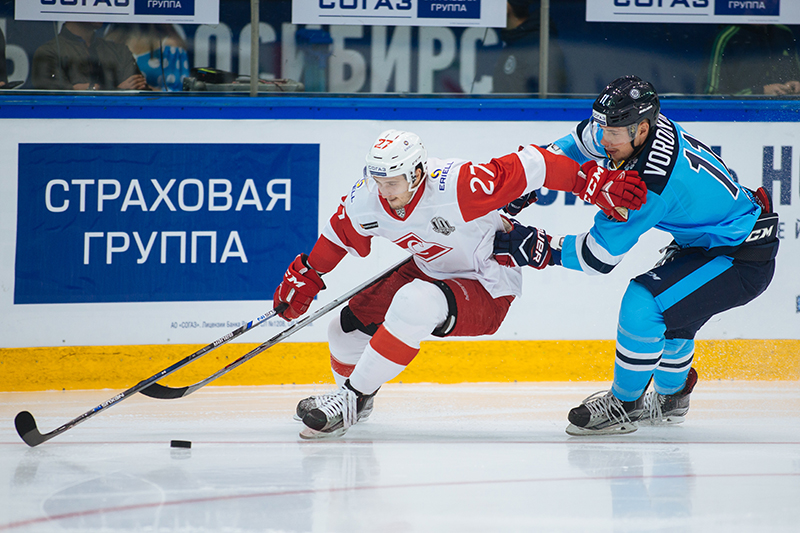 «Спартак» проиграл на выезде «Сибири» (Видео)