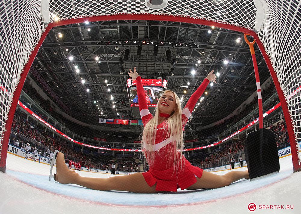 Ice Girl поддержки ХК «Спартак» Москва