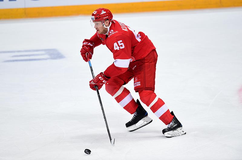 Андрей Кутейкин: Мощный бросок? Наверное, клюшки хорошие